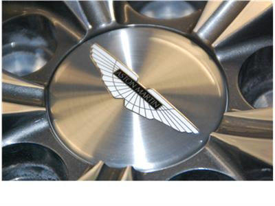 V8 Vantage Wheel Centre Badge (Metallic Appearance-Black Inlay)